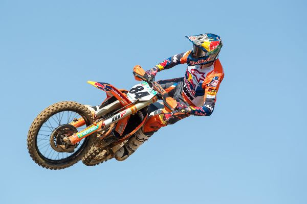 Movie: Jeffrey Herlings in action at RedSand