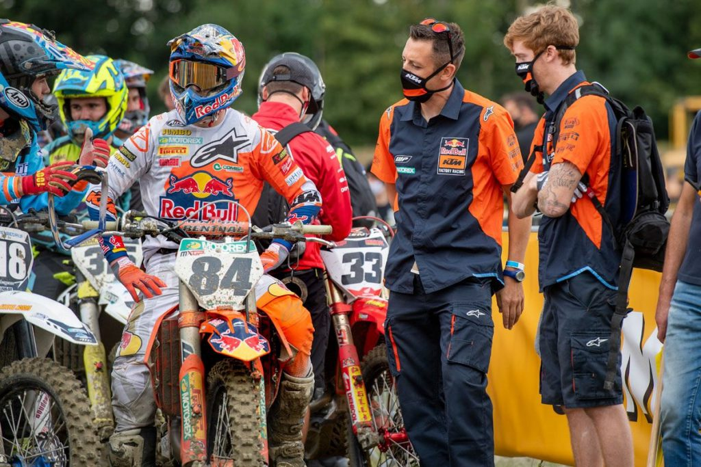 Herlings and Hofer complete last prep race before resumption of 2020 MXGP